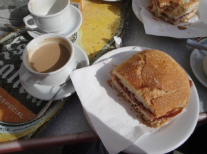 Lunch in Hornillos, cafe con leche and a bocadillo.