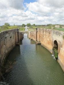 Crossing the Canal de Castilla as we enter Fromista.